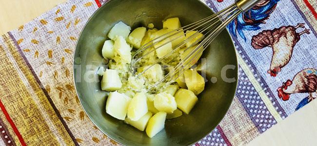 Blinis de patata o tortitas saladas. Paso 1