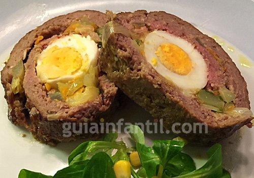 Carne picada rellena de verduras y huevo. Paso 4