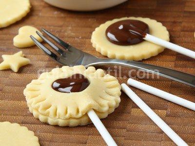 Cookie pop de chocolate para niños. Paso 3