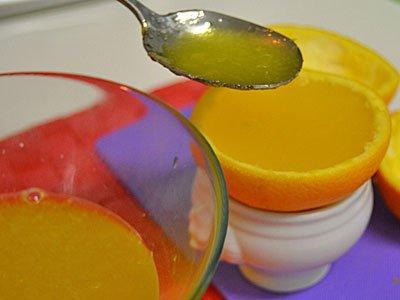 Receta paso a paso de gajos de naranja con gelatina 3