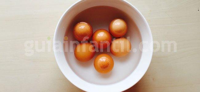 Receta de trampantojo: huevos de pascua. Paso 2