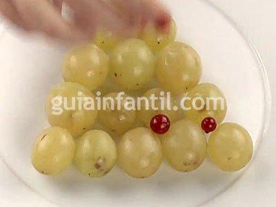 Árbol de uvas. Paso 2