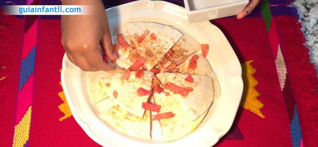 Cómo hacer quesadillas de jamón y queso. Paso 4