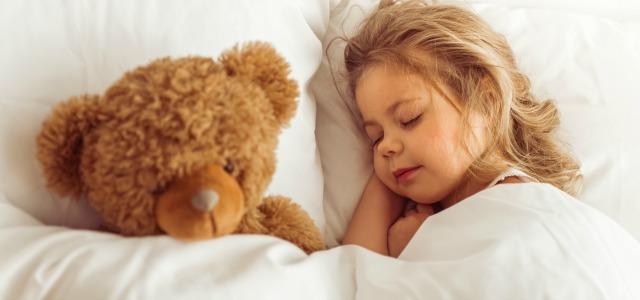 Los niños que hablan dormidos