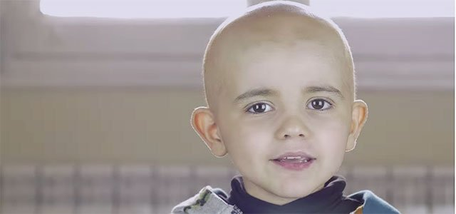 Niño con leucemia