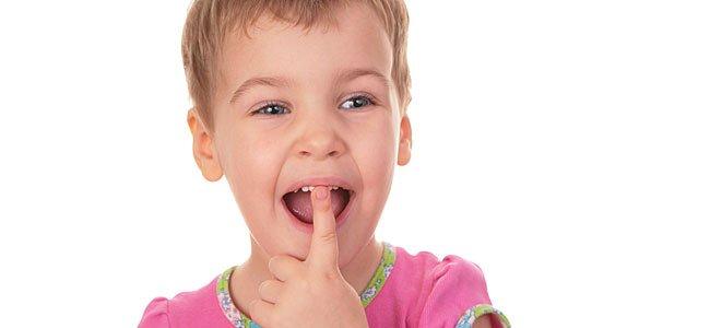 Rotura de los dientes de los niños