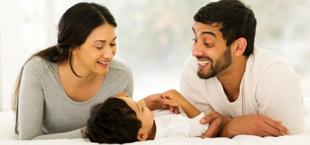 Los padres con niños sonámbulos