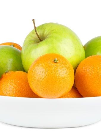 Aperitivo de manzana y mandarina para niños obesos