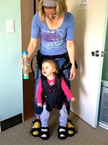 Arnés para hacer caminar a los niños con discapacidad motora