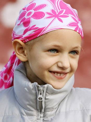 El cáncer infantil. Niña con cáncer