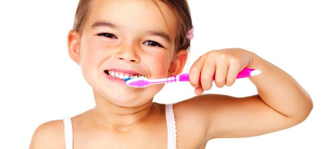 Aprender a limpiar bien los dientes