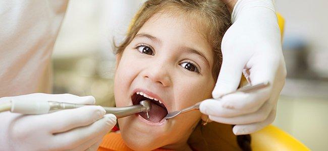 Visita al dentista de los niños