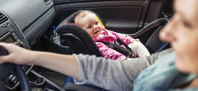 Normativa para llevar a los niños en el coche