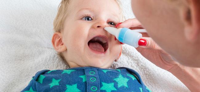 Lavado nasal al niño: errores comunes