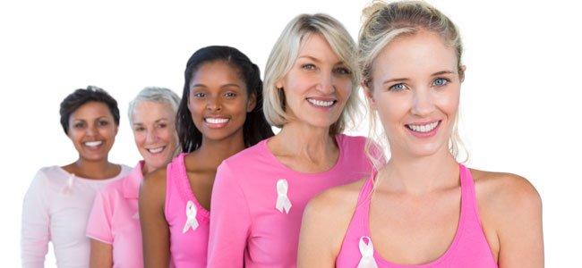 Mujeres con lazo rosa