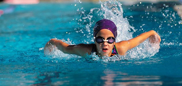 Los beneficios de la nataci n infantil for Piscina de natacion