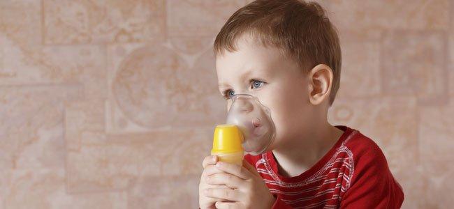 Niño con mascarilla