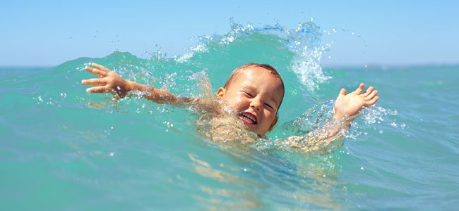 Cómo evitar que un niño se ahogue