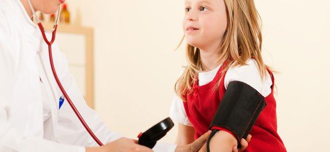 Niños con presión arterial baja o hipotensión