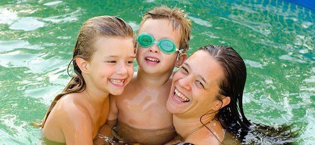 Piojos en los ni os todas las formas de contagio for Piojos piscina