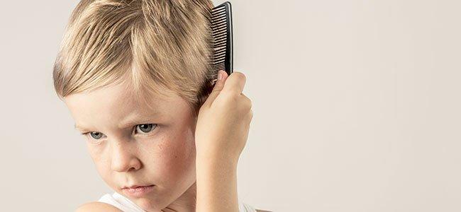 Remolinos en el pelo de los niños