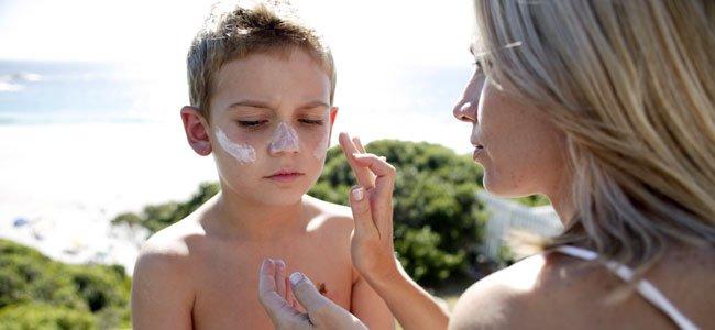 Cuidados con la piel de los niños en verano