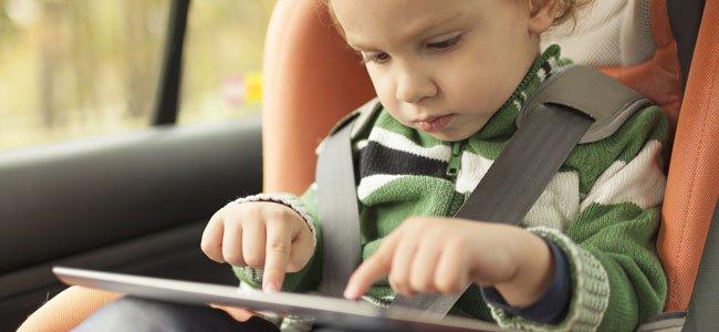 Accesorios peligros para bebés en el auto o coche